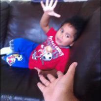 Kid-steals-high-five