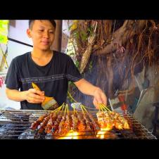 Indonesian Street Food  - CRAZY HALAL Street Food in Little Indonesia!! BEST MARTABAK + RENDANG!