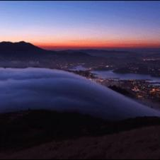 Fog-rolling-over-mountain-loop