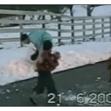 Dad-throws-snowball