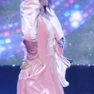 핑크핑크한 아린이.gif