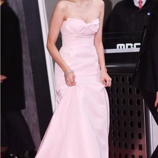 드레스 입은 채수빈