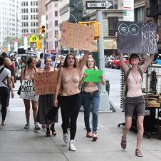 젖꼭지에 자유를 달라 시위 1