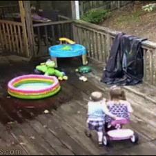 Dad-slips-on-deck-kids-laugh