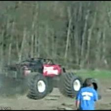 Monster_truck_backflip