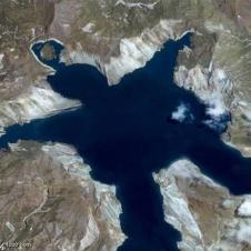 사람닮은 호수