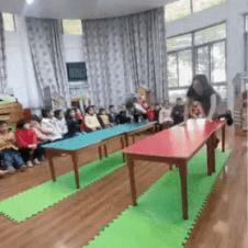유치원생 vs 유치원 선생님
