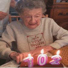 102세 할머니의 생일케익