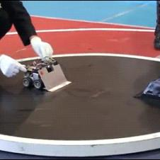 Japanese-sumo-robots-fight