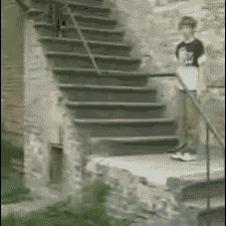 Parkour-fail-stairs-scorpion