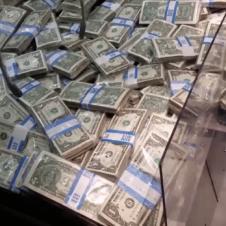 돈 넣고 돈 먹기