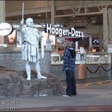 Statue-scare-prank