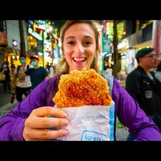 Street Food in Taiwan - TAIPEI'S #1 FRIED CHICKEN at Hot Star + TAIWANESE STREET FOOD in Ximending!